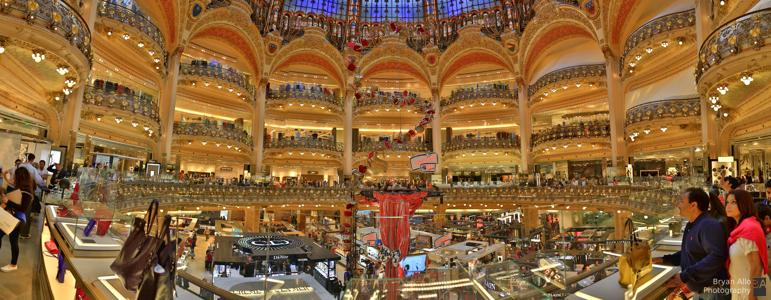 Très Paris Day 1 – Galeries Lafayette – Heaven on earth for Women  AE76